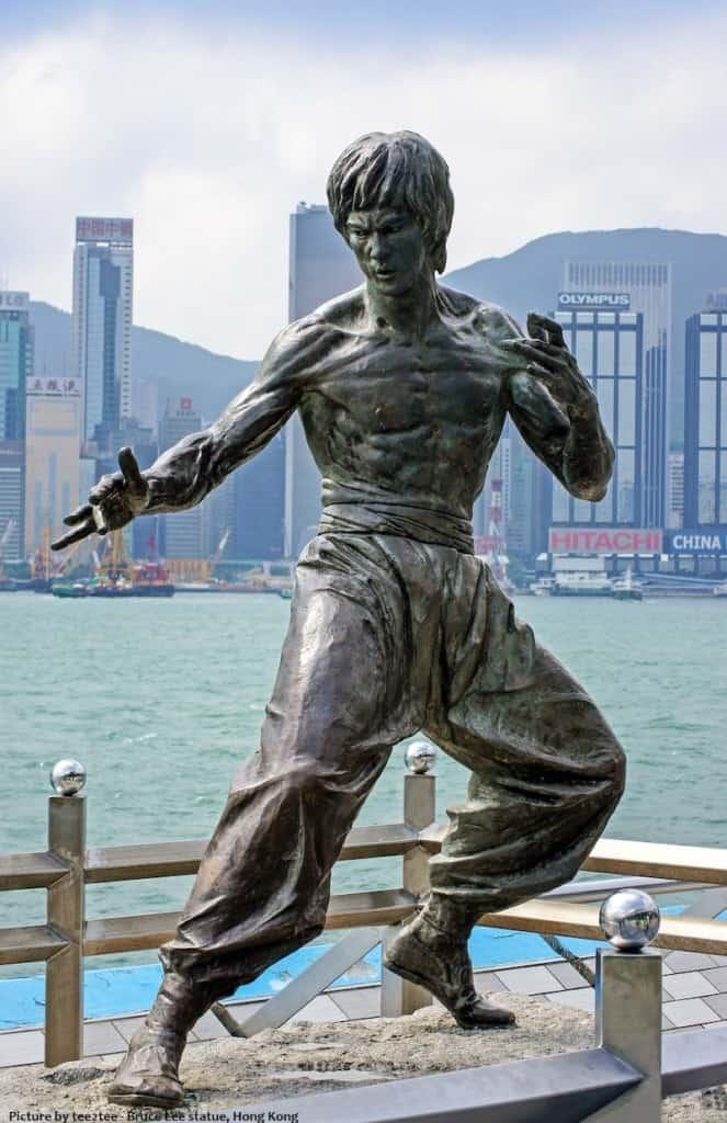 bruce-lee-statue hong kong be like water