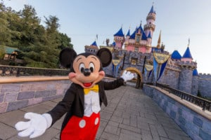 Welcome-back-to-Disneyland safe experiences post covid