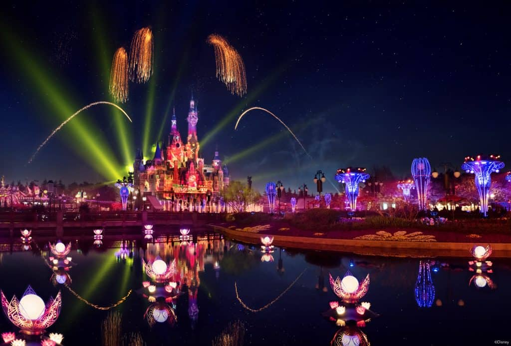 shanghai disneyland new show illuminate