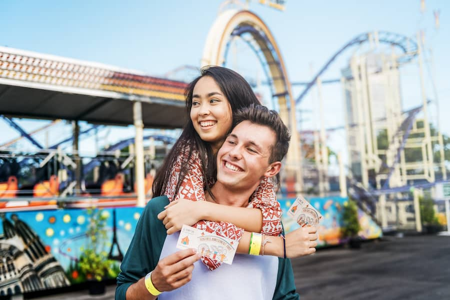 Couple-at-theme-park hiring difficulties