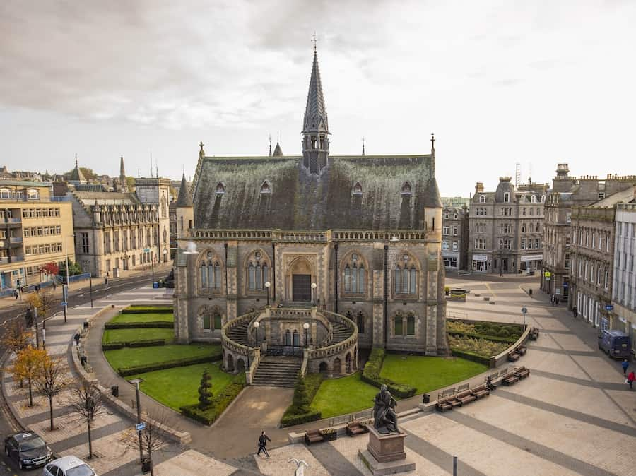 McManus: Dundee's Museum and Art Gallery Museum community engagement