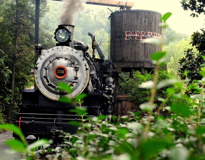 Dollywood train
