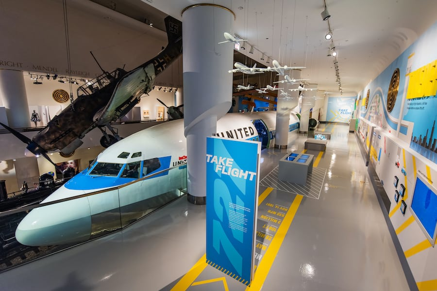 MSI Chicago exhibit with a 727 jet set into the floor