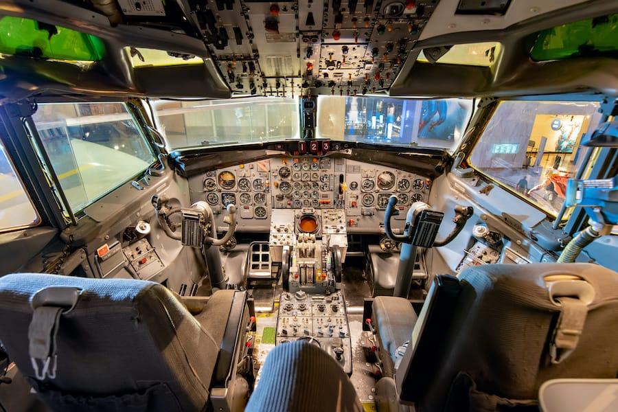 MSI-Chicago exhibit featuring full airplane cockpit