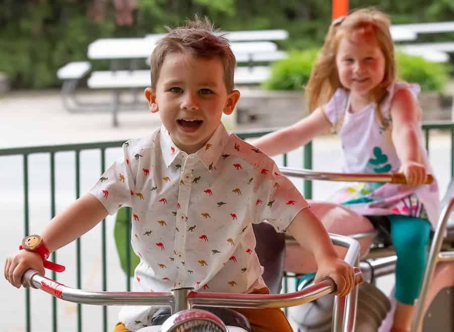 kids at Granby zoo