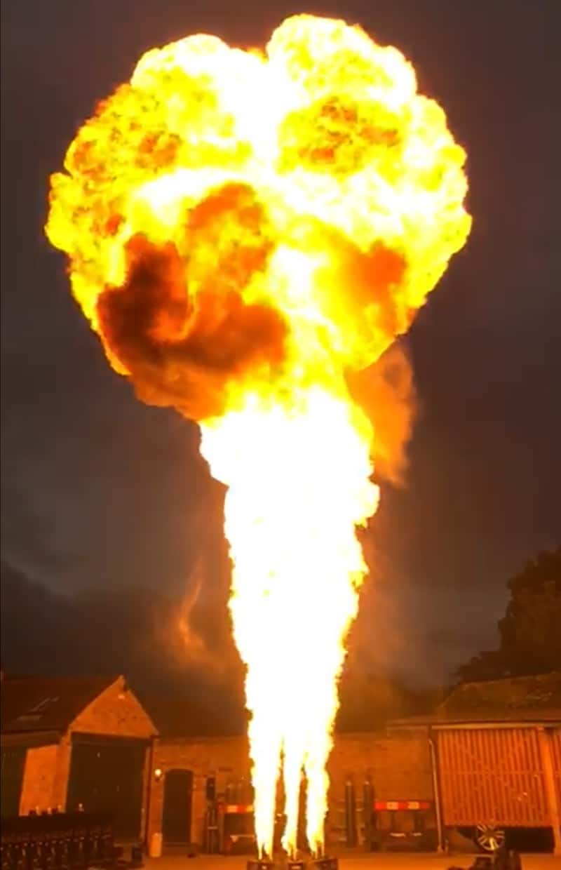 Large fireball produced by Luminous liquid flame system