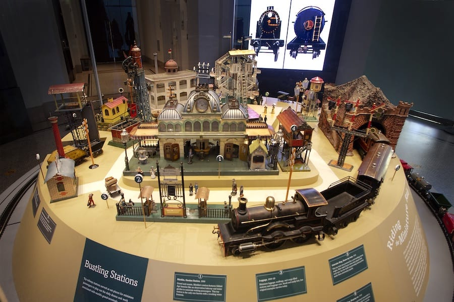 Holiday Express - Toys and Trains from the Jerni Collection New-York Historical Society
